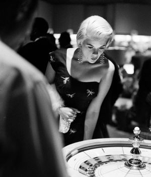 Svelte Jayne Mansfield Plays Roulette in Las Vegas by