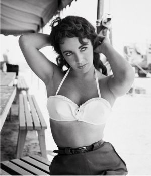 Elizabeth Taylor on Set of Giant 1955 by
