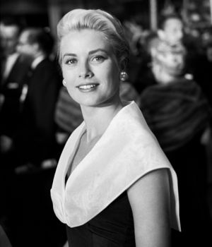 Grace Kelly 1954 by