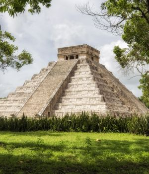 Chichen-Itza by